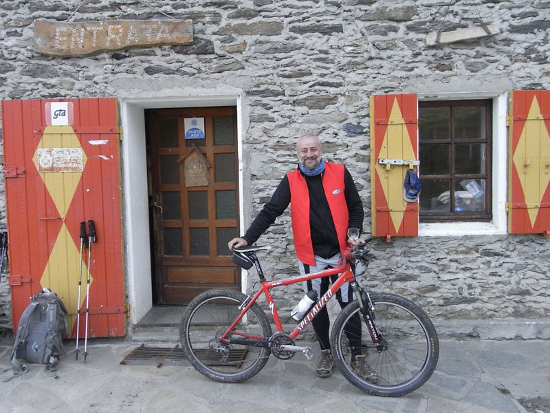 rifugio Jervis in Bici