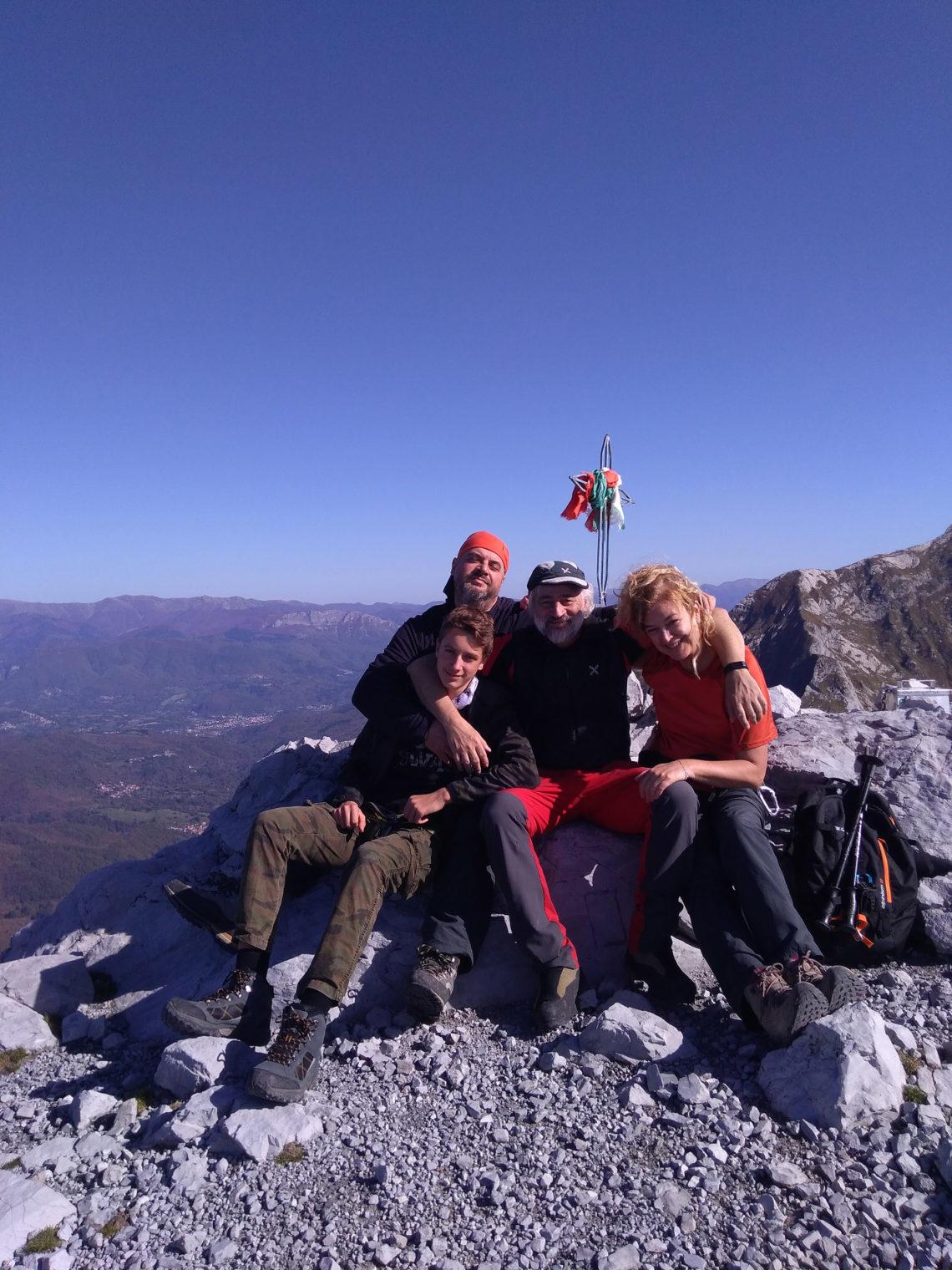 Il Pizzo d'Uccello, a mio avviso la montagna più bella e completa delle Apuane